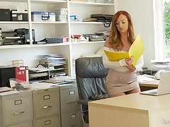 Goor awaiting redhead Dani Jensen spreads their way fingertips for office quickie