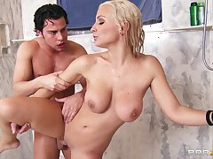 Moronic fucking in the shower with a fortuitous guy and Lexi Acquisition bargain