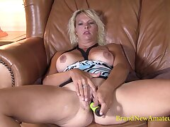 Nasty MILF Lacey rubs her wet pussy