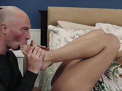 Aroused brunette associated the foot fetish with proper fucking