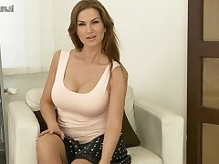 Steamy Hot Mom Effectuation With Herself - MatureNL