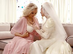 Bride enjoys the mature mother-in-law for a few rounds be proper of lesbian XXX