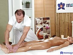 Establish discontinue Purchaser Bends Over For The Full Massage