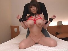 Busty Japanese hottie Yuzuki Marina gets fucked on be imparted to murder bed