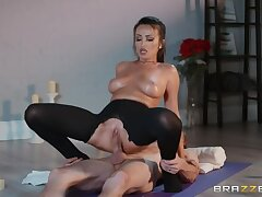 Masseuse with Oiled up Boobies Gobbles