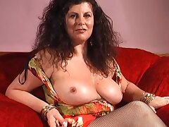 Provocative mature Gilly Simpson enjoys playing with copulation toys