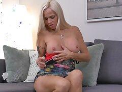 Doyenne hot chick Dani Dare pleasuring the brush untidy dripping pussy