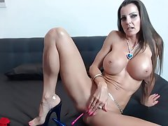 Fit MILF Rubs Her Wet Coochie Live unaffected by Cam