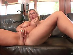 Blonde MILF stack Devon Lee rides dick and gets missionary fucked