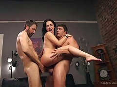 Versatile quite bootyful nympho Kristina Rose takes double penetration