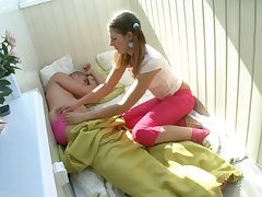 Mischievous female woke up prematurely in the morning, disturbing to get bashed and gobble some jizz